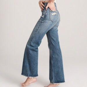 A&F Annie High Rise Wide Leg Jean Size 32/14